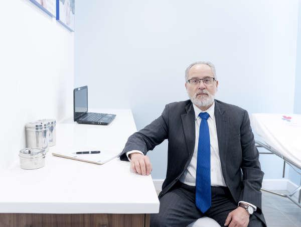 Dr. Alfredo Naranjo Estrella