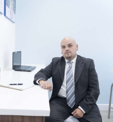 Dr. Gabriel Contreras Pierola